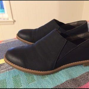 Eurosoft Shoes - • Eurosoft ankle slip on bootie • black nubuck 7.5